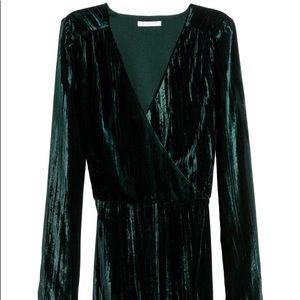 H&M Velvet Long Sleeve Dress - NWT - Size 4